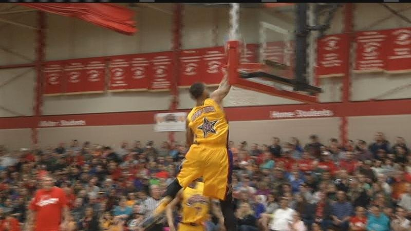 Harlem Wizards Put on a Show at Flambeau High School