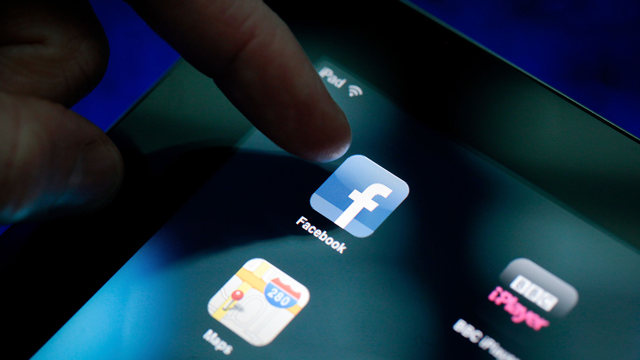 Facebook Introduces App That Sends Smartphone Alerts