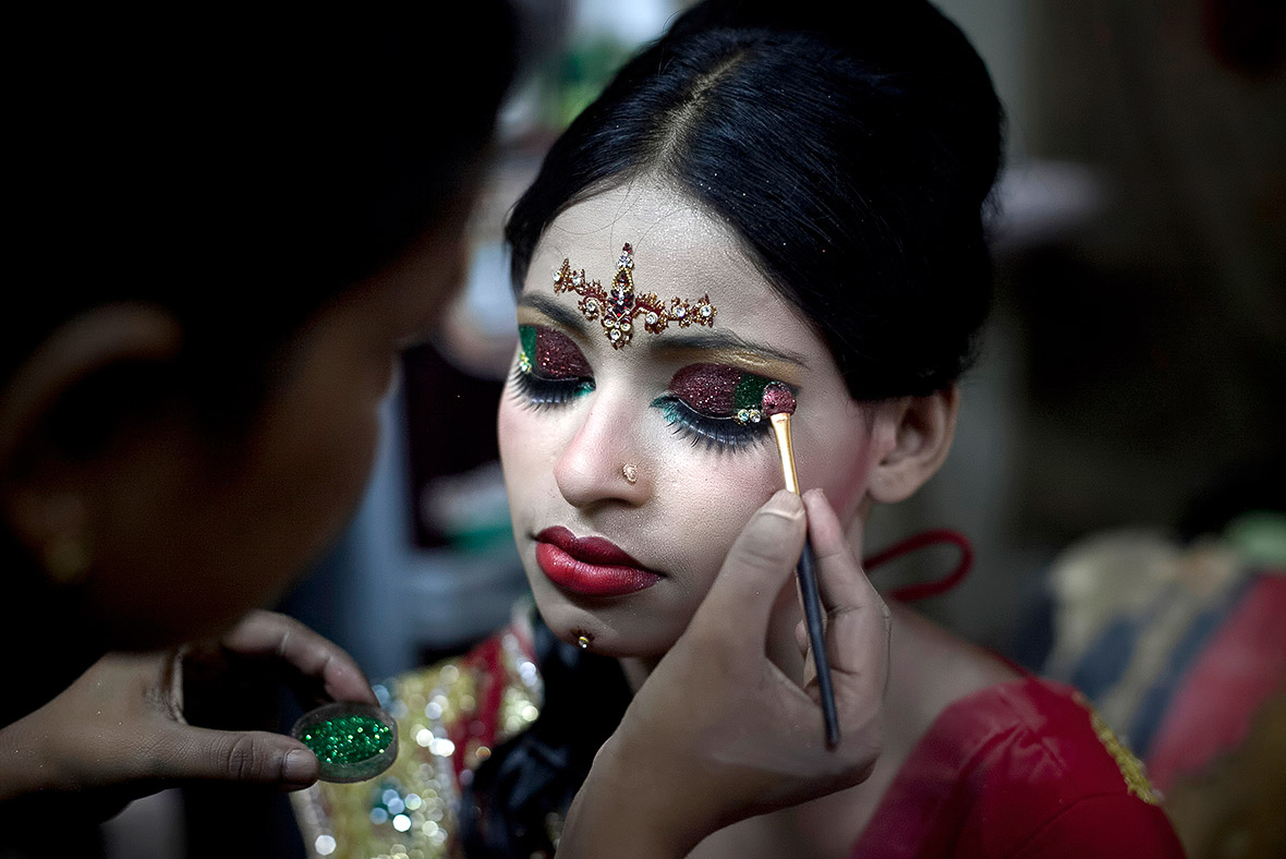 Bangladesh child marriage: 15-year-old girl's heartbreaking wedding photos