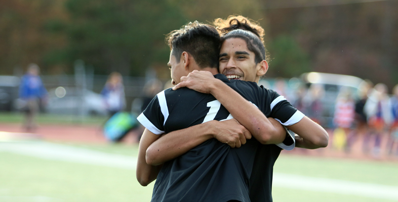 Boys soccer: Brock's tally, tough defense send EHT to sectional final for first time since 1996