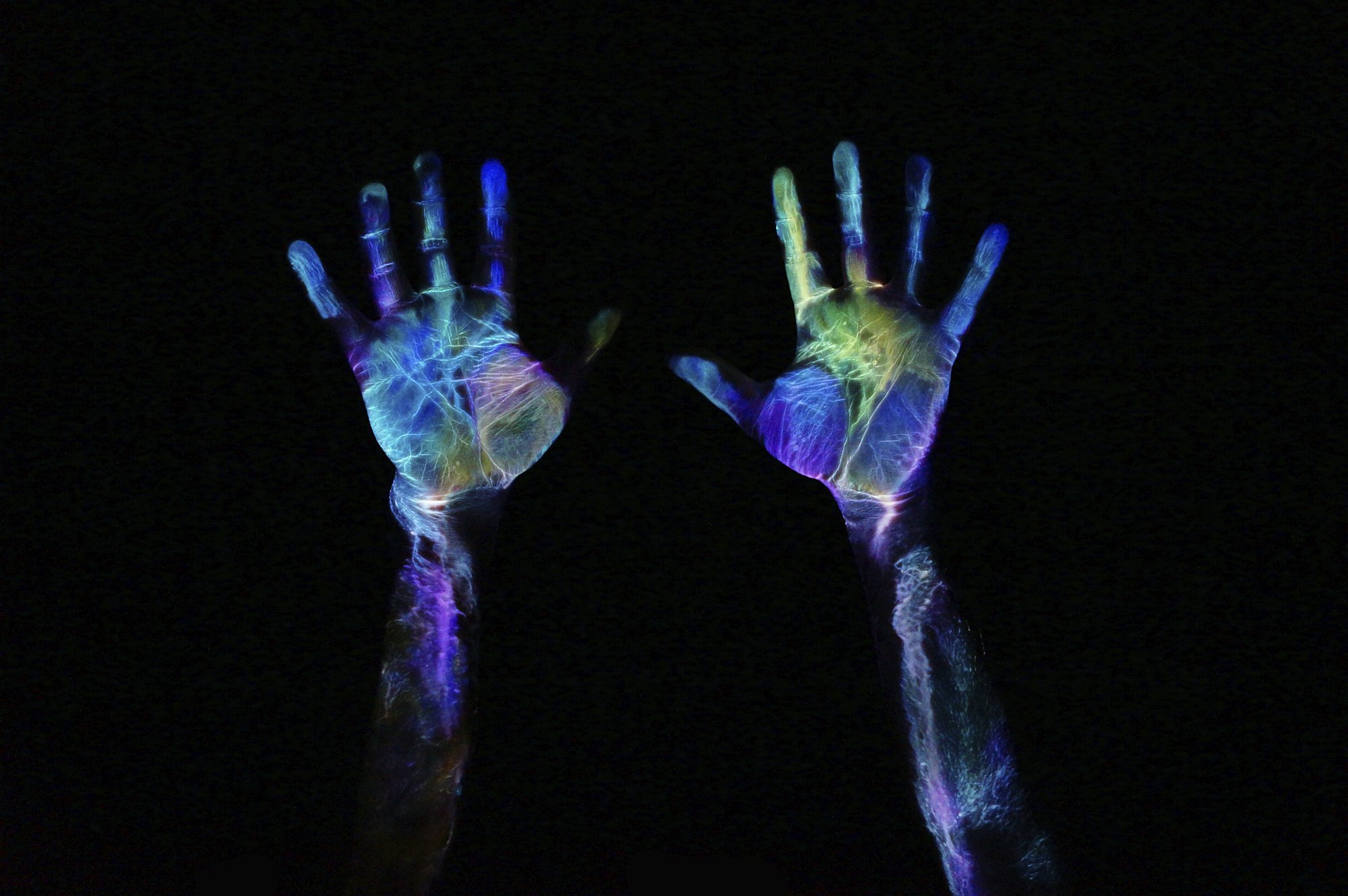The Chemistry Behind Glow in The Dark | STEMJOBS