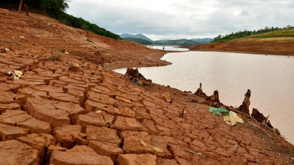 Brazil drought: Sao Paulo sleepwalking into water crisis - BBC News