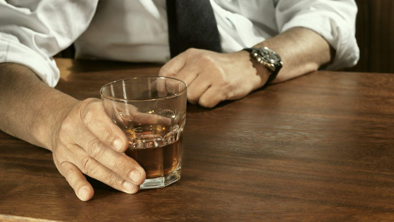 For Alcoholics, 12-Step Program Is Not the Only Answer