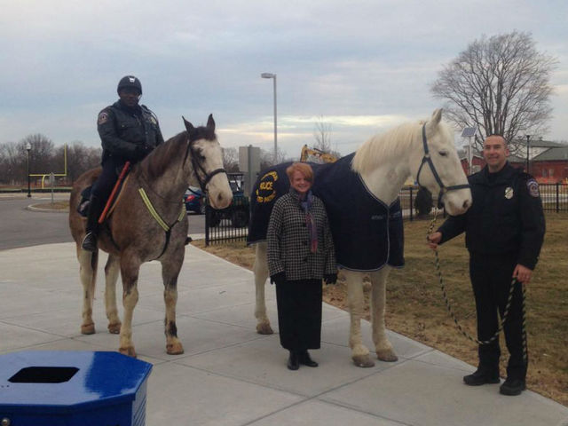 Young students raise $200 for IMPD patrol horse
