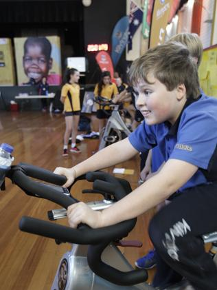 Ormond school community pushes pedals for World Vision