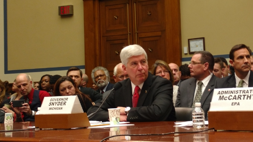Oversight hearing: Congressman calls for Gov. Snyder to resign over Flint water crisis