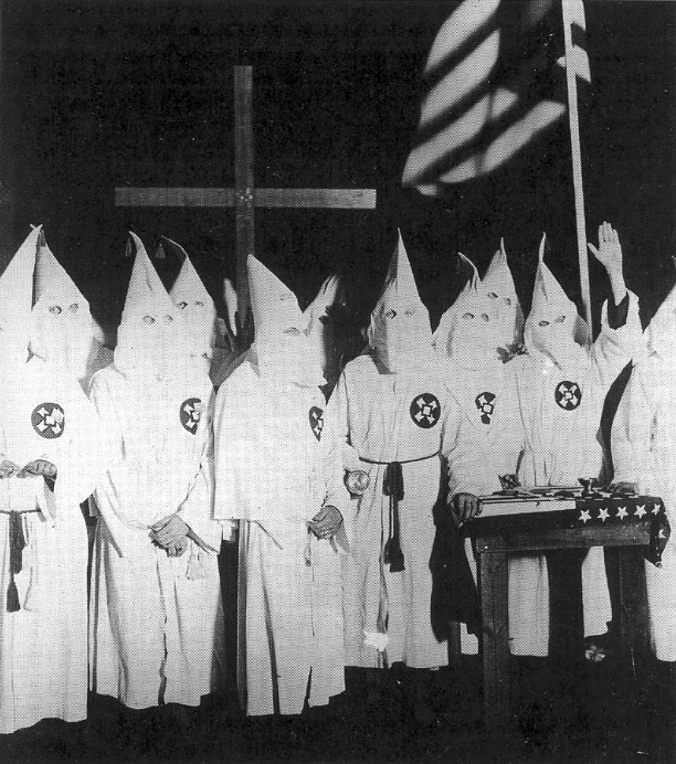 http://www.latinamericanstudies.org/immigration/kkk-initiation.jpg
