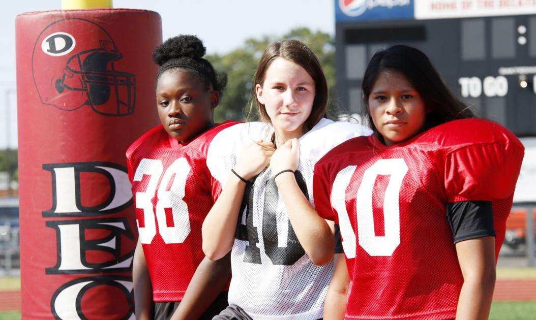 Just 'one of the boys': Decatur Middle has three girls playing football