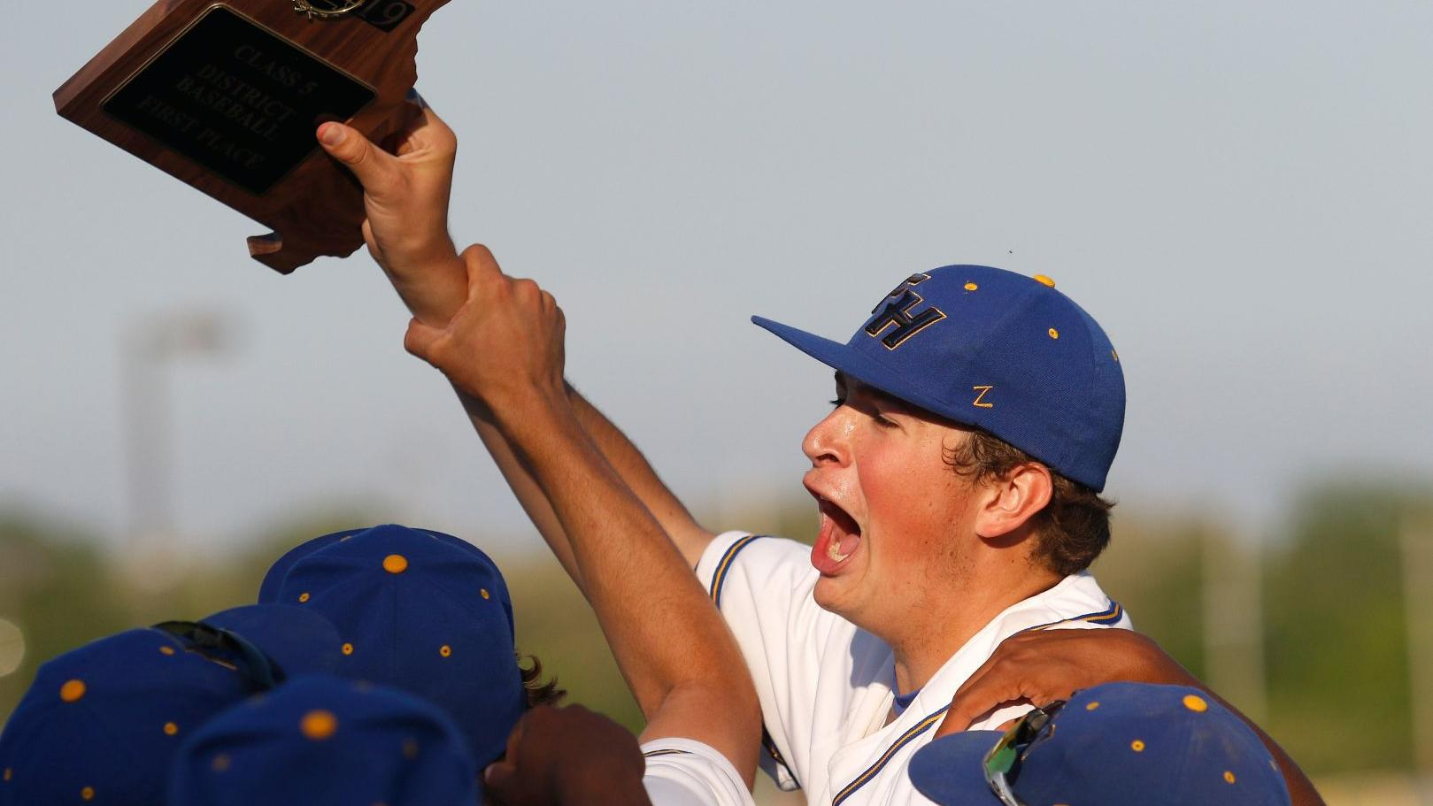 Francis Howell beats Liberty to win 20th district baseball title