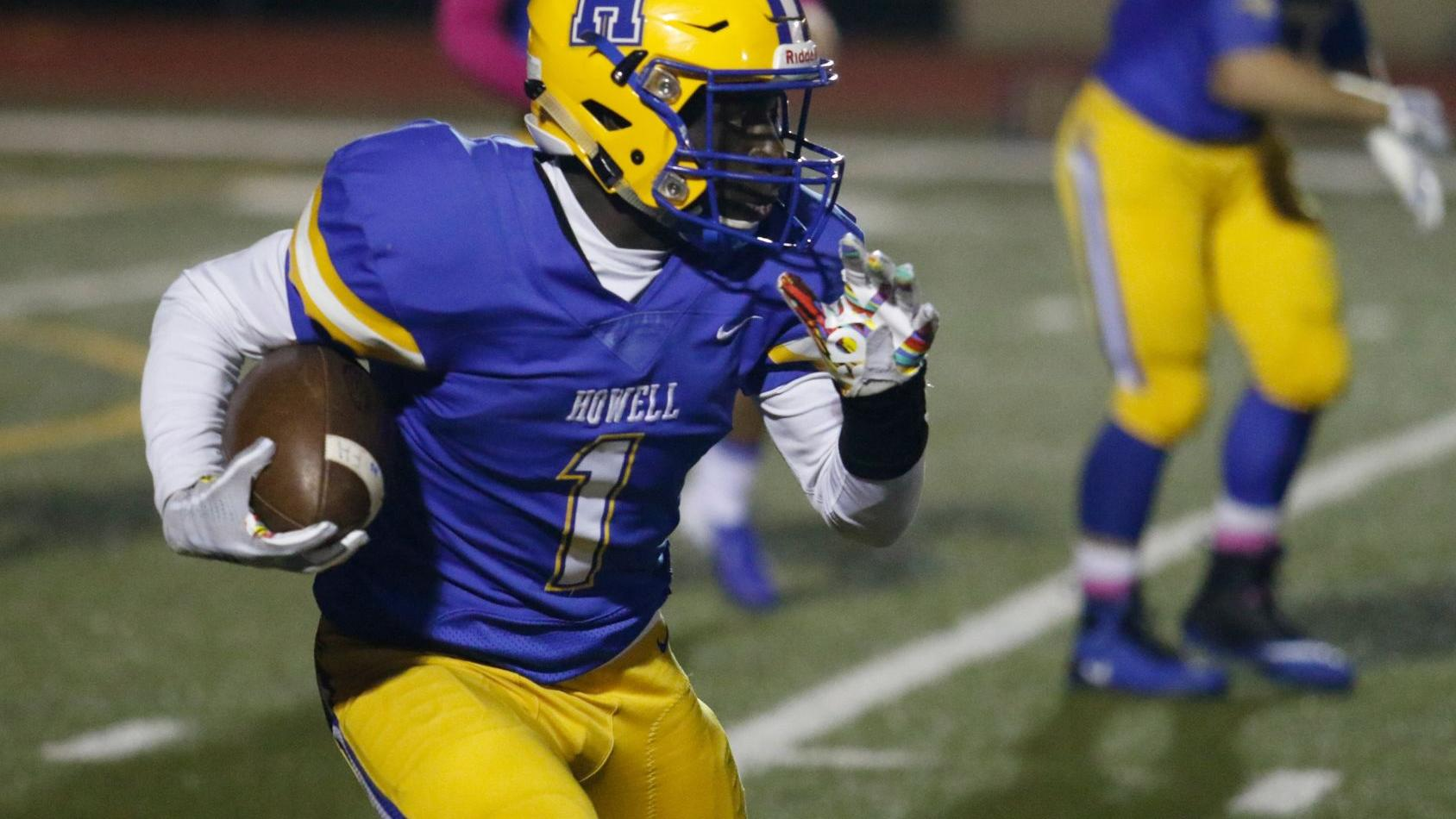 No. 10 large school: Francis Howell leans on smaller, talented senior class for leadership