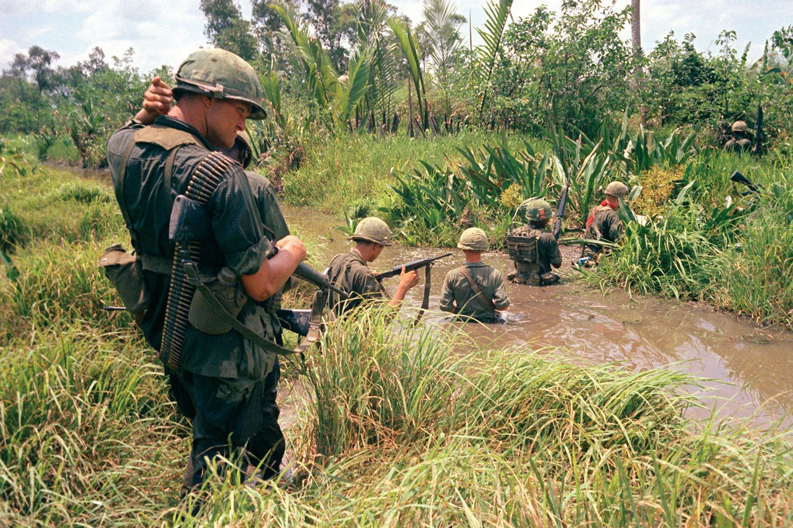 Vietnam War - The United States enters the war