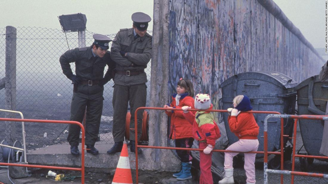 Berlin Wall: The rise and fall in pictures