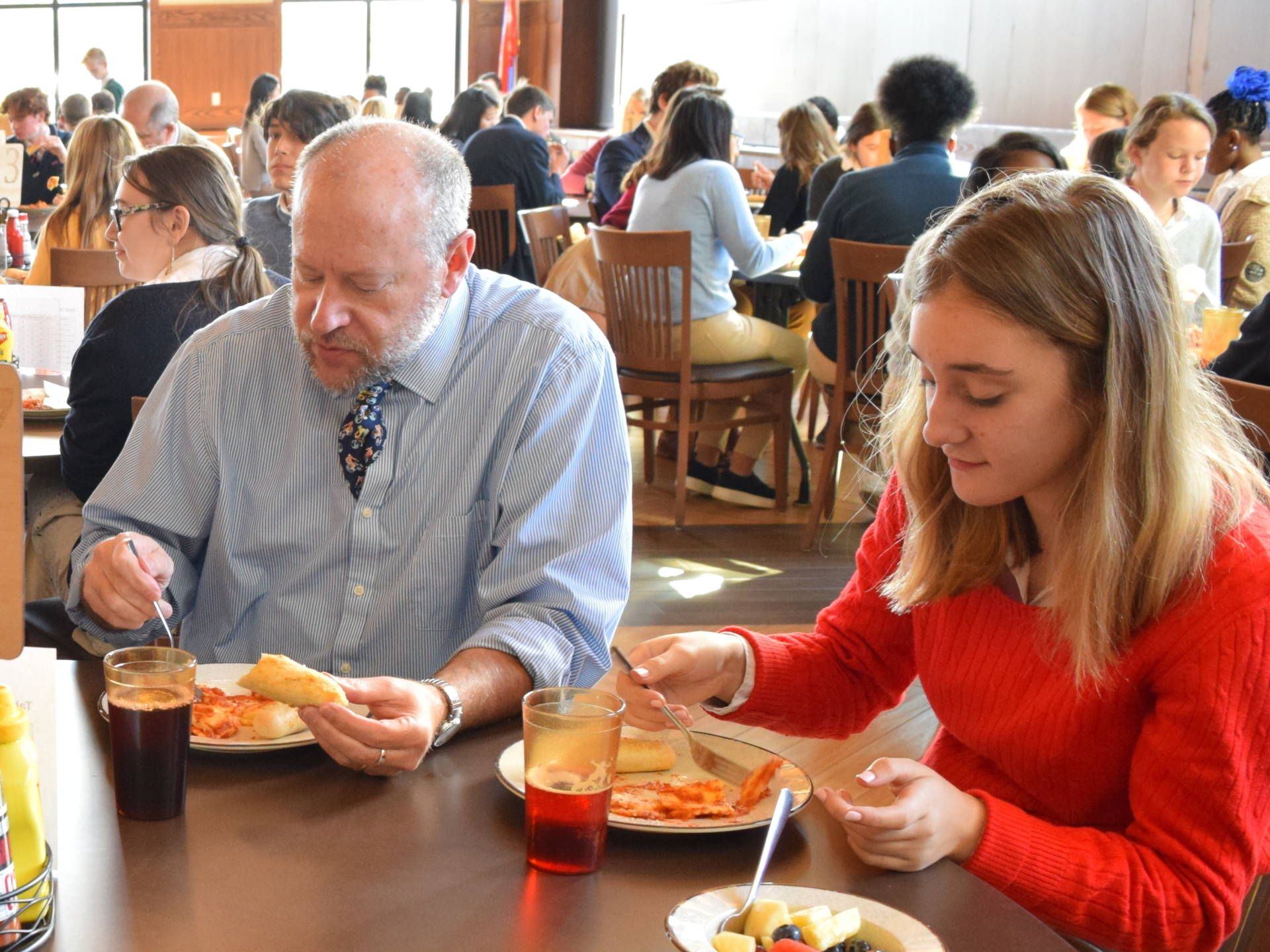 How Assigned Seats During Lunchtime Can Foster a Positive School Culture
