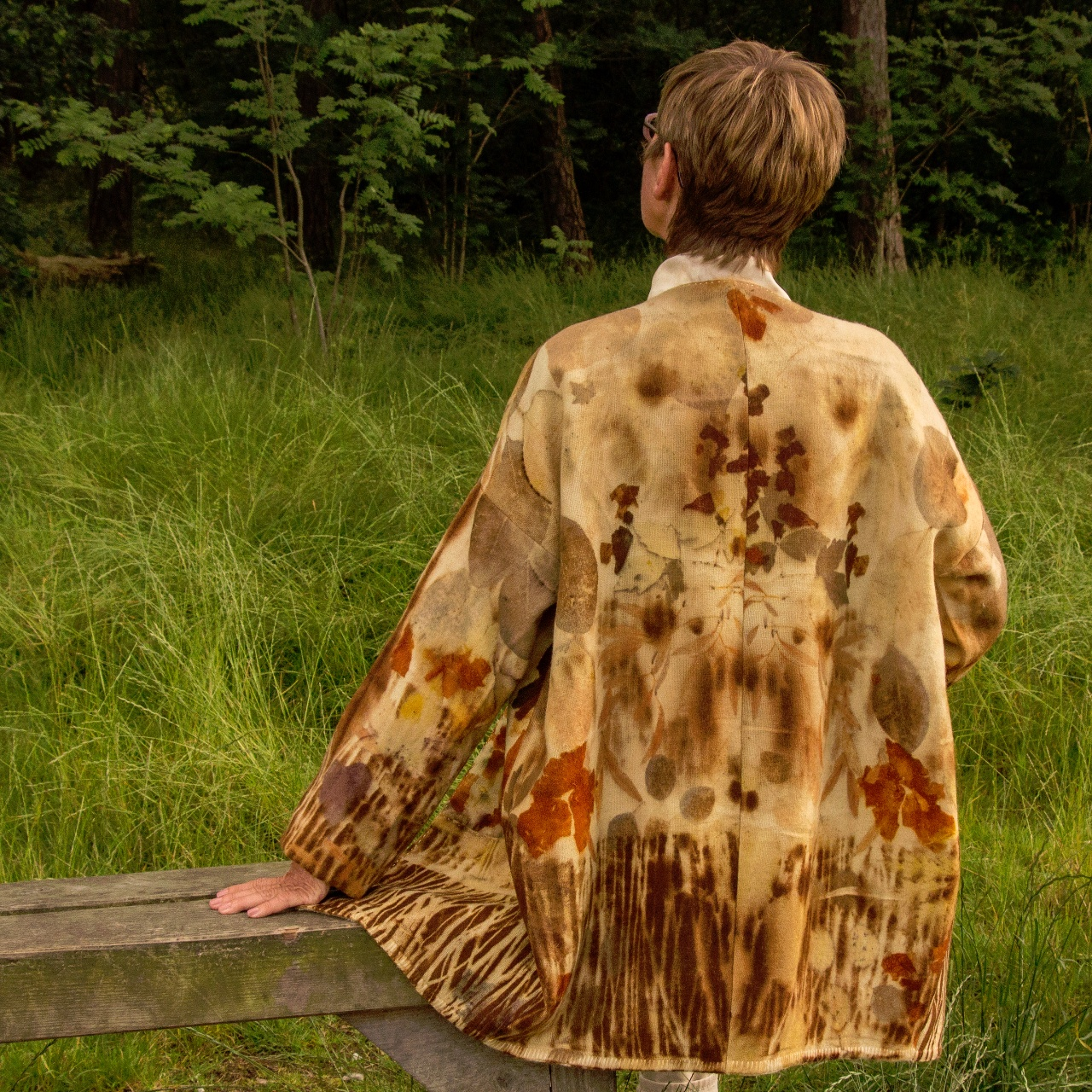 A unique range of handmade botanically printed and naturally dyed clothing and household textiles, m