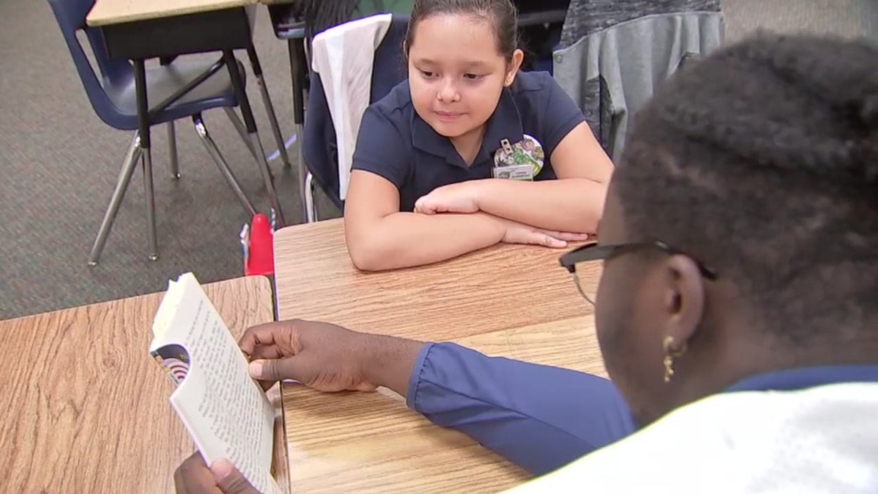 Alief helping Alief: How Elsik students are helping kids grow