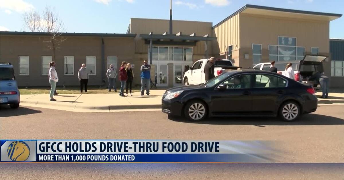 Food-donation drive lets Central Catholic High School students and staff connect