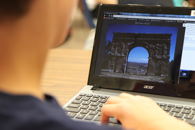 Are iPads or Chromebooks better for schools? - The Hechinger Report