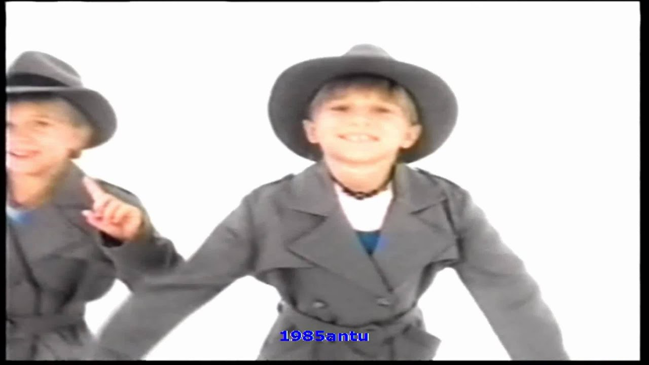 Mary-Kate and Ashley - Mystery Theme Song HD