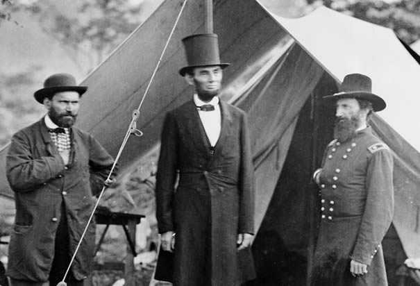 http://www.history.com/images/media/slideshow/civil-war-union-military-leaders/abraham-lincoln-at-sharpsburg.jpg