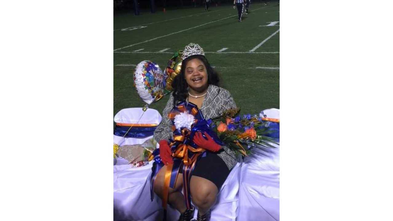ALL HAIL THE QUEEN! Student with Down syndrome crowned Homecoming Queen at Beau Chene High School