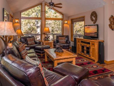 VRBO.com #506121 - Quiet 4BR/3.5BA Home Near Woodlands Golf Course in Sunriver