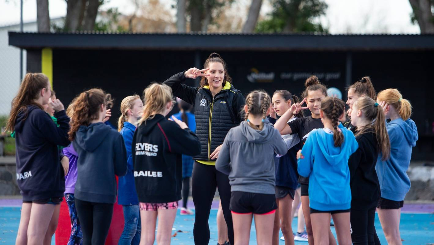 Premiership champions the Central Pulse teach 450 Taranaki school kids skills of the game