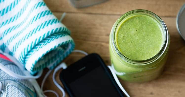 The Perfect Pre-Workout Green Smoothie Recipe
