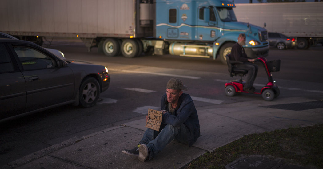 Ryan Hoffman, a U.N.C. Football Player Two Decades Ago, Is Now Homeless
