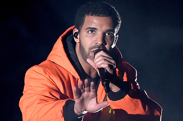 Drake in Talks With Apple to Sign $19 Million Deal