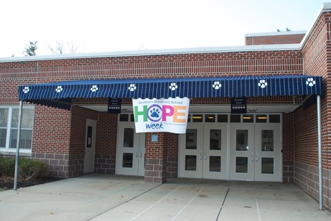 "Southern Boulevard Students Borrow Idea from the Yankees and Give ""HOPE"""