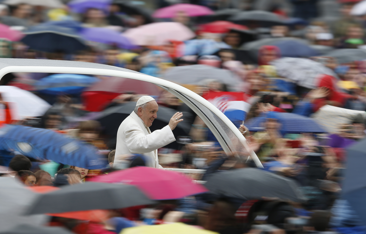 Pope Francis' new exhortation: Jesus 'wants us to be saints'