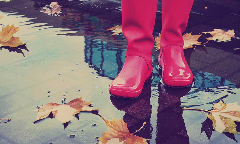 8 Healthy Reasons To Walk In The Rain