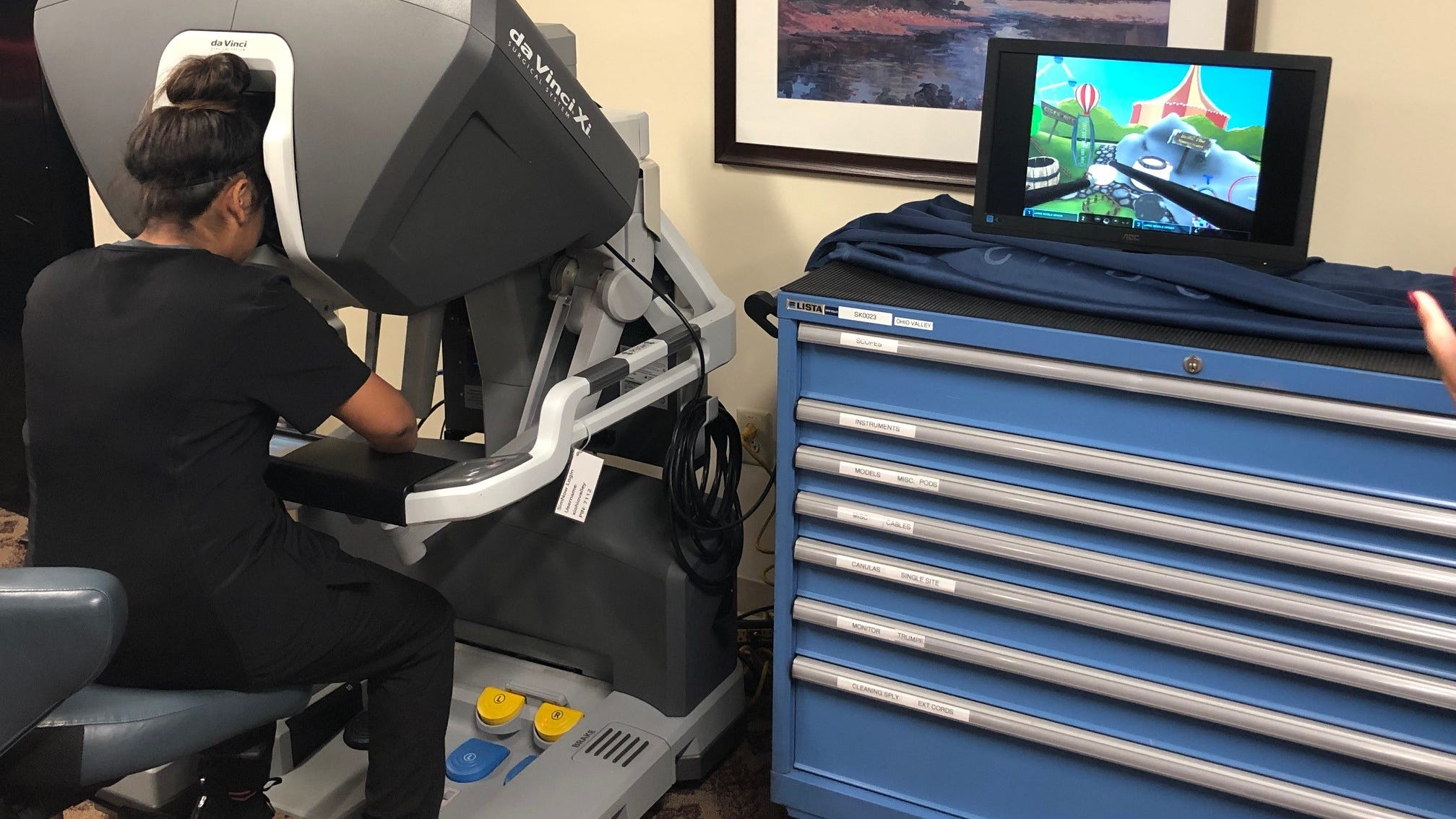 Hendersonville students test drive robotic surgery at TriStar Hendersonville