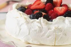 Pavlova Recipe & Video - Joyofbaking.com *Video Recipe*