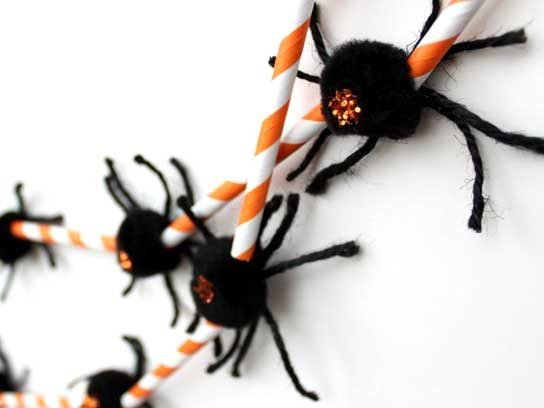 DIY Halloween Decorations: 19 Easy, Inexpensive Ideas | Reader's Digest