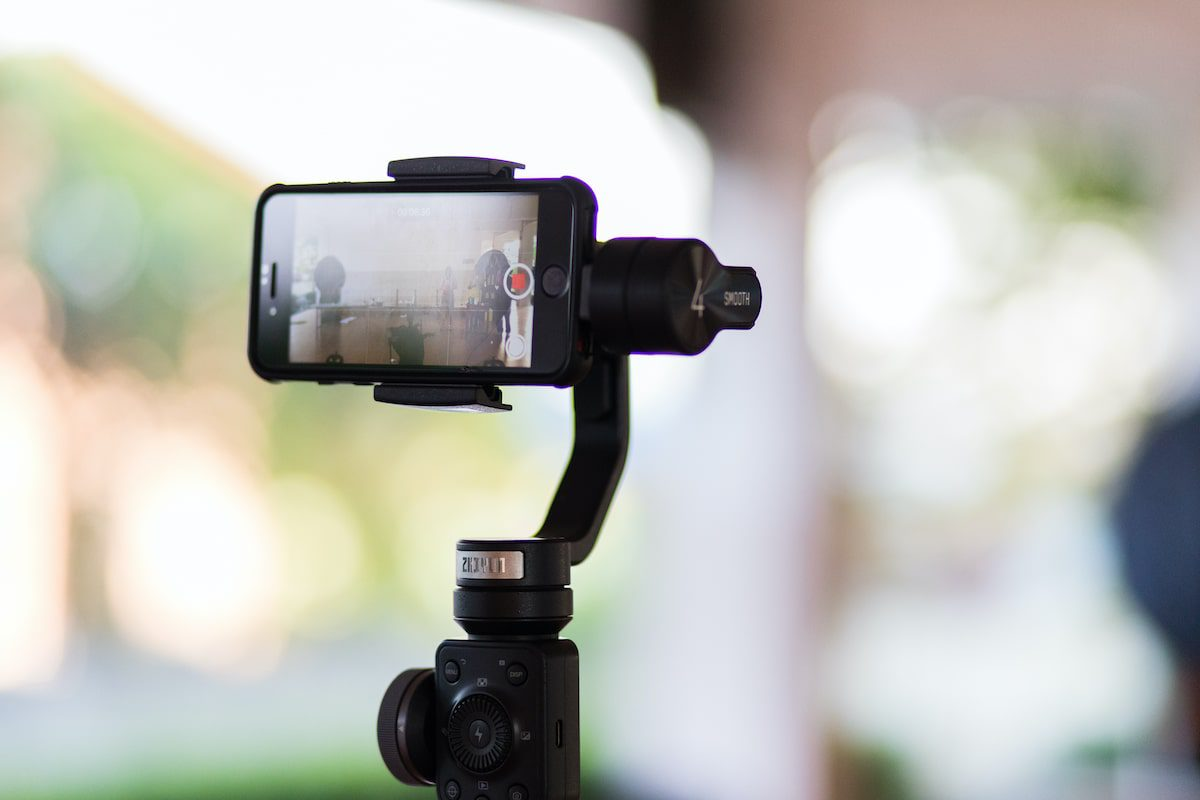 Tips for Shooting a Virtual Property Video With Your Smartphone - Rentals.com Company Blog