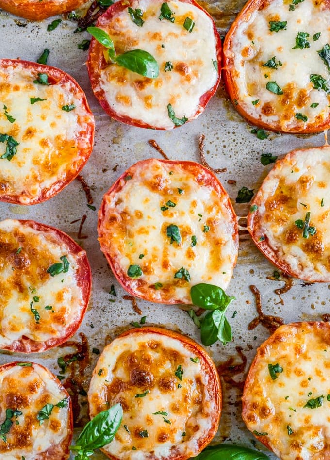 Baked Tomatoes with Mozzarella Parmesan - Parmesan Tomatoes VIDEO!