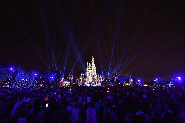 Coronavirus: Kids stuck at home should go on these virtual Disney World rides
